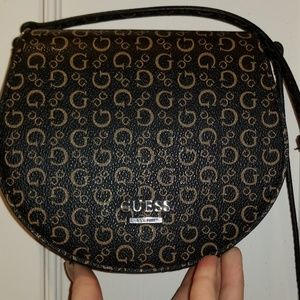 ADORABLE Guess Mini Bag with Crossbody strap!